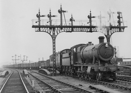 Great Western Railway (GWR) 2-8-0 no. 3803 at Ferme Park, 25th August 1948. (CCB Herbert, M_4868).