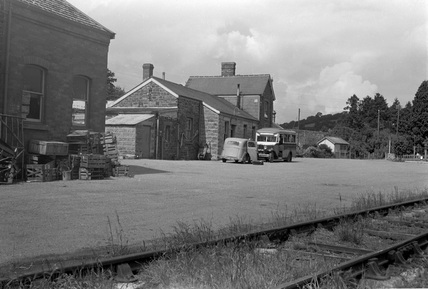 Dulverton station, exterior with station bus, 4 August 1951