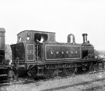 LDEC 0-6-0T locomotive no. 9