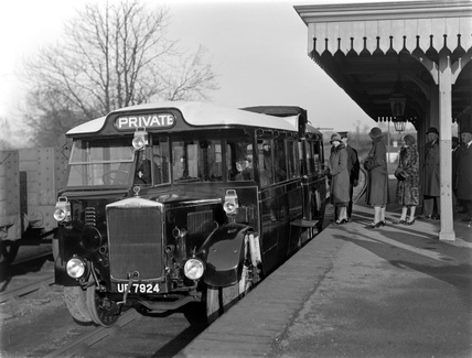 Road/rail bus UR7924, c.1931.