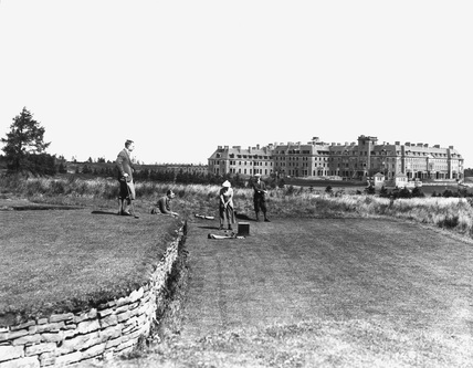 The 18th tee on the Queen's Golf Course, Gleneagles, Perth and Kinross, Scotland, 1923.