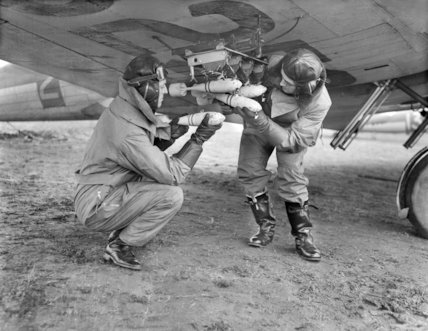Training the marksmen of the Royal Air Force - 30-April-1940