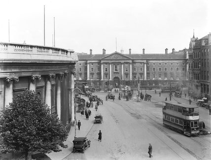 Dublin's Trinity College, about 1927