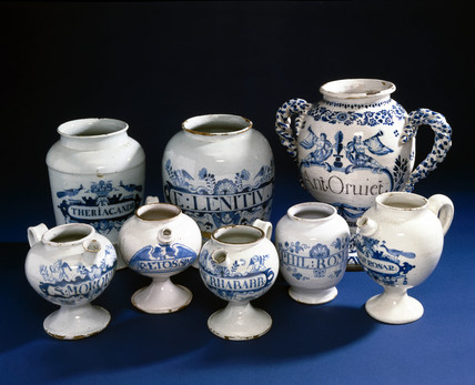 Four syrup jars and four pharmacy jars, 18th century.