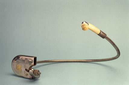 'Kavor' hydraulically powered toothbrush, c 1932.