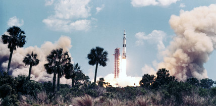 Launch of the Apollo 16 mision, 1972.