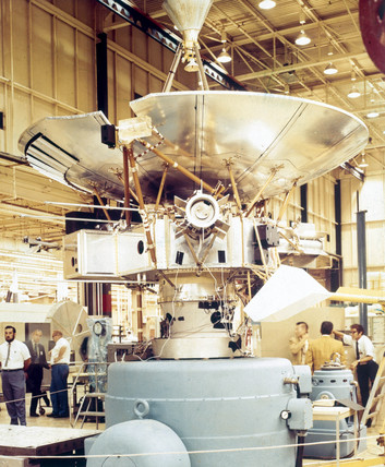 Test mock-up of the Pioneer Jupiter 10 spacecraft, 1972.