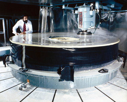 Polishing the mirror of the Hubble Telescope, 1980s.