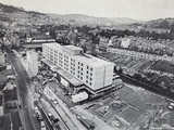 1972 Aerial view of the Beaufort (Hilton) Hotel, Walcot Street, Nov