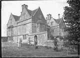 Cold Ashton Manor and garden, 1935