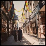 Dufaycolor view of Union Passage, Bath, May 1937
