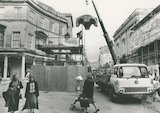 Removing the mineral water fountain from Stall Street, 30 March 1988