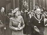 Mayor Edgar Clements and Princess Elizabeth outside the Pump Room, Bath 1945