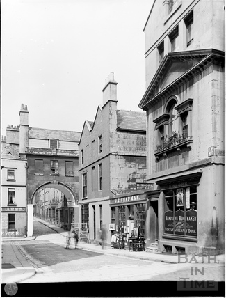 Trim Bridge and St. John's Gate, Bath c.1903