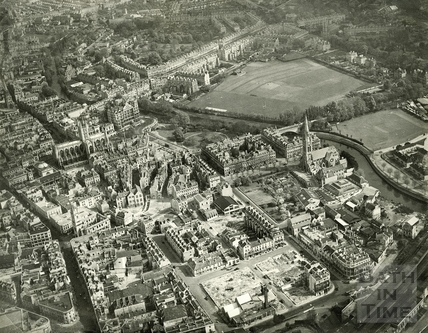 c.1945 Aerial view of the City shortly after the war