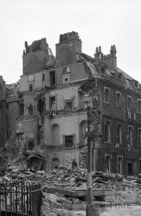 The remains of the Regina Hotel, Bennet Street, Bath April 1942