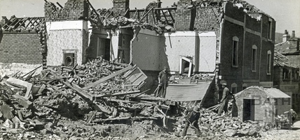 The small surface shelter in Westmoreland Street survived the bombs which brought nearby houses down. April 1942