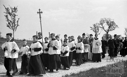 The Bishop of Bath and Wells, lead the procession and service during the mass funeral, Haycombe, Bath, April 1942