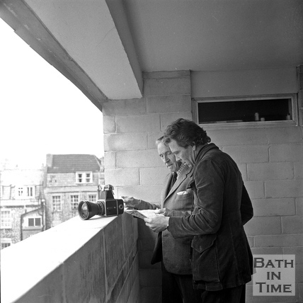 Robert Henshaw from the Bath Preservation Trust shows Lord Snowdon the view from Lampards Buildings. March 1972