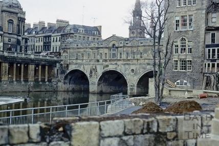 Spring Gardens and Pulteney Bridge, April 1972