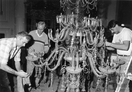 Cleaning the chandelier in the Pump Room 28 Oct 1989