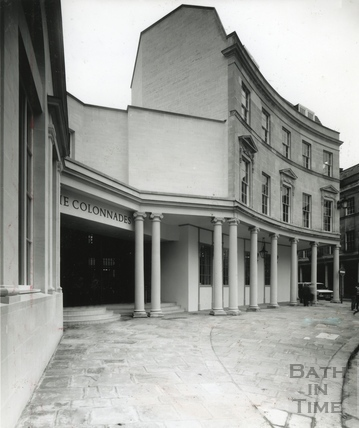 Entrance to the Collonades Shopping Centre, Bath Street 1989