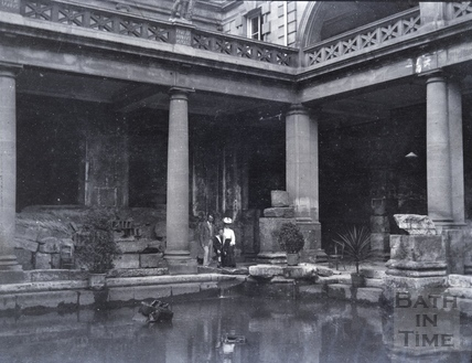 Visitors to the Roman Great Bath c.1910