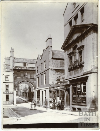 Trim Bridge and St. John's Gateway, Bath c.1903