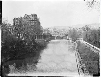 The Empire Hotel and Pulteney Bridge from North Parade Bridge