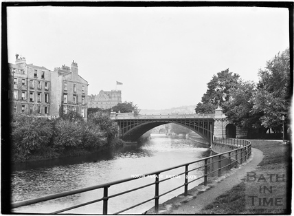North Parade Bridge with the Empire Hotel in the background