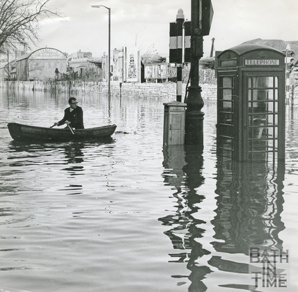 Floods at the junction of Midland Bridge Road and Lower Bristol Road. c.1968