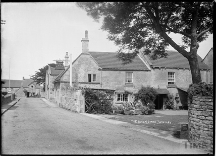 The Seven Stars, Winsley, 1932