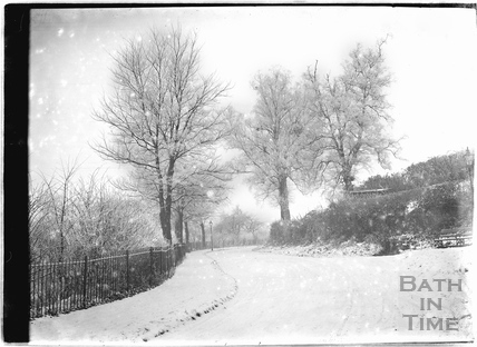 Horseshoe Walk in winter c.1920s