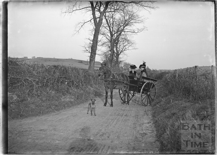 Horse-drawn Carriage, Monkton Combe 20th Feb 1911