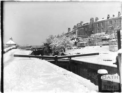 The Kennet and Avon Canal in winter, Bathwick, Bath c.1930