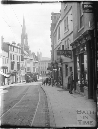 Looking down Broad Street with the Turks Head on the right c.1930s