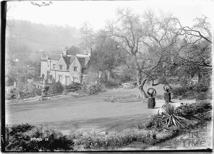 Iford Manor No.13 c.1930s