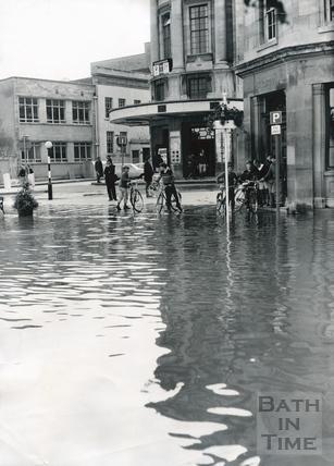 The flooded road Forum on the corner of Southgate and Somerset Street, July 1968