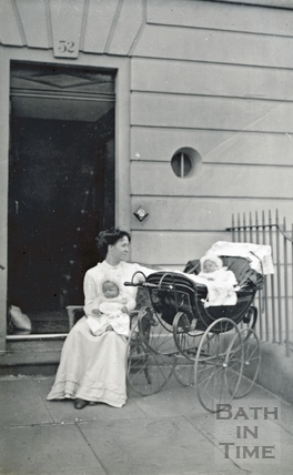 Violet Dafnis and her hew born twins outside 32 Sydney Gardens 1911