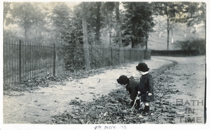 The photographer's twin boys at Horseshoe Walk, c.1914