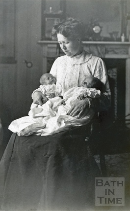 Violet Dafnis with her twin boys Roy and Rupert, 1911