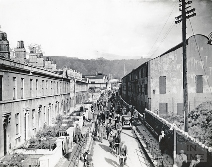 Workers leaving Stothert & Pitts works an walking along Victoria Bridge Road c.1950s?