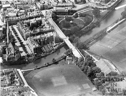 c.1930 Aerial view of the North Parade Road cricket ground, Recreation Ground and South Parade