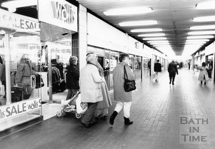 Inside the Southgate Shopping Centre, February 1990