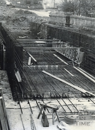Restoring the Avoncliff Aqueduct on the Kennet and Avon Canal c.1974?