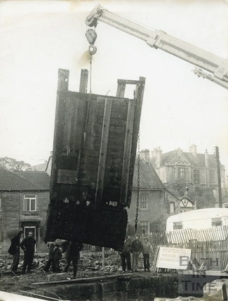 The old lock gate being lifted out of position on the Kennet and Avon Canal, Bradford-on-Avon c.1974
