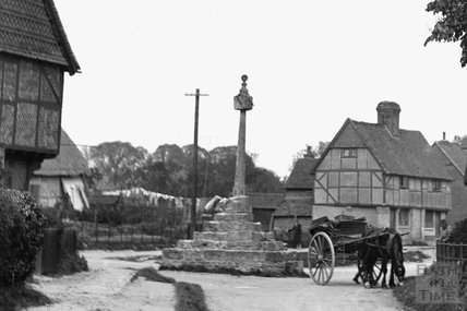 Memorial, timber framed house and cart with horse, thought to be Wantage, Oxfordshire c.1930 - detail