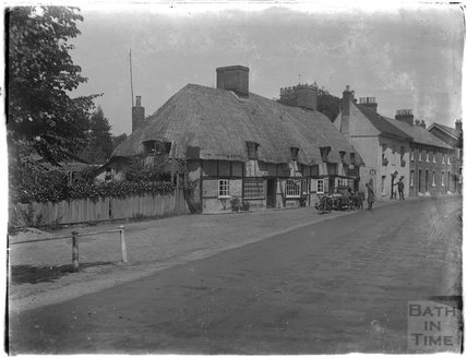 Thatched cottage at Fordingbridge, Hampshire, c.1920s