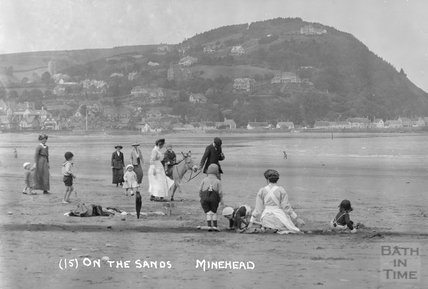 On the sands, Minehead No.15 c.1905-1915 - detail