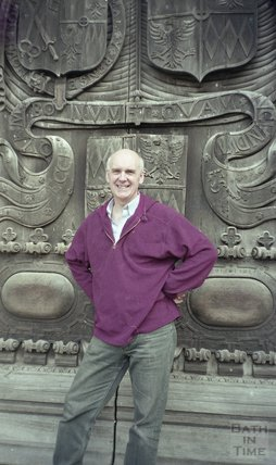 Ian Sutherland outside the West Door of the Abbey 2 December 1998